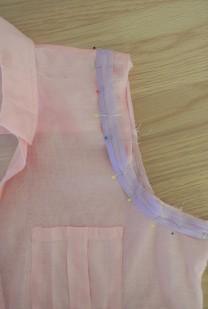 sleeveless-alteration-pin-binding